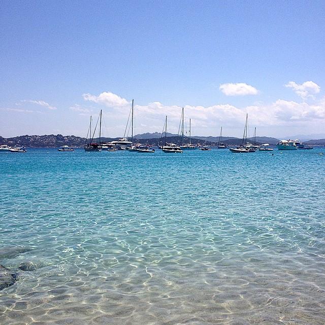 Amo il mare, i suoi colori, la calma che mi sa trasmettere e l'energia delle onde  #sardegna #igsardegna #beautifulplaces #sea #summer #lifestyle