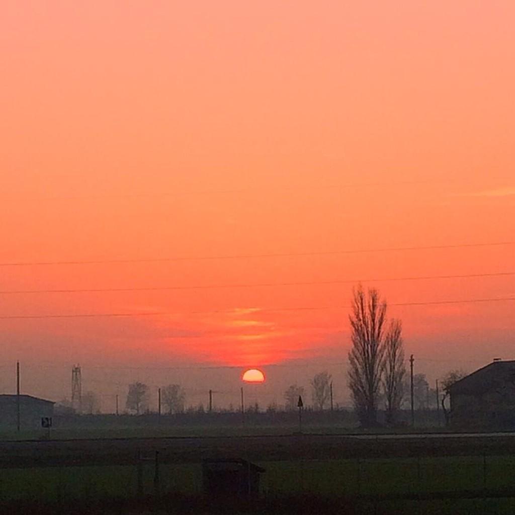 ✨ ☀️set ✨ #picoftheday #sunset #sky #skyline #lifestyle #picoftheday #igersbologna #igers #igersemiliaromagna #igersitalia #photogrid #photographer #photooftheday