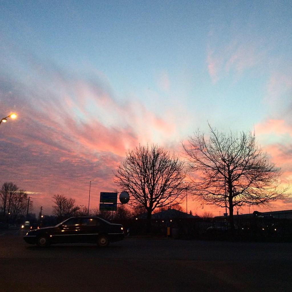Buongiorno! #alba #sky #picoftheday #igers #igersitalia #igersmodena #igersbologna #sunrise #lifestyle #photographer