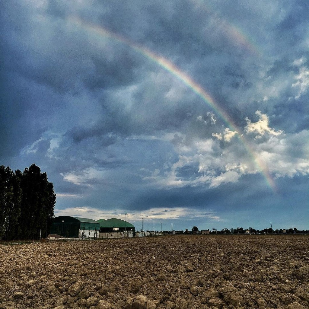 More rainbows please! picoftheday photographylovers lovephotography landscape framesofitaly igers igesitaliahellip