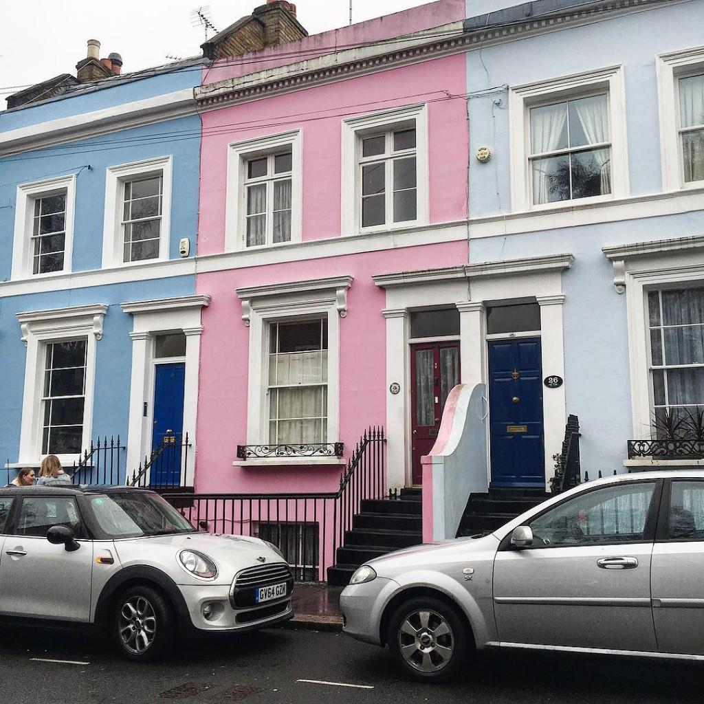 Pastel  #nottinghill #london #uk #visitlondon #pastel #home #homedecor #inspo #beautifuldestinations #photographylovers #lovephotography #igersbologna #igersmodena #cityscape #nikon #nikonitalia #liveauthentic #exploretocreate