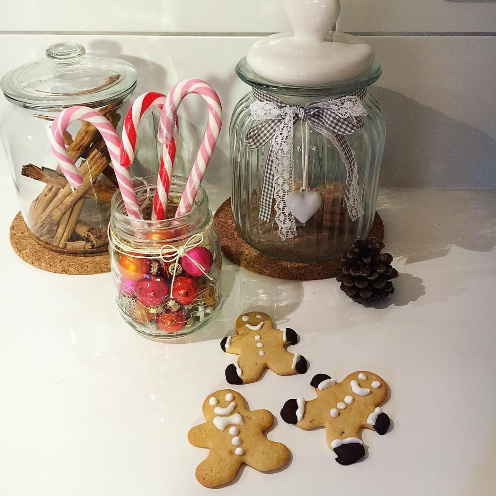 Ciao a tutti, sono in ferie e il mio programma è quello di avere tutti i giorni la casa piena di amici.  Buon Natale! Ps vi ho già detto che in ferie si sta troppo bene??? ✨❤️️ #xmas #winter #holidays #home #homedecor #inspo #homedesign #cookies #sweet #happy #happiness #lifestyle #metoday #lovephotography #igersbologna #igersmodena #photography #photographylovers #foodporn #tags4tags #tagsforlikes
