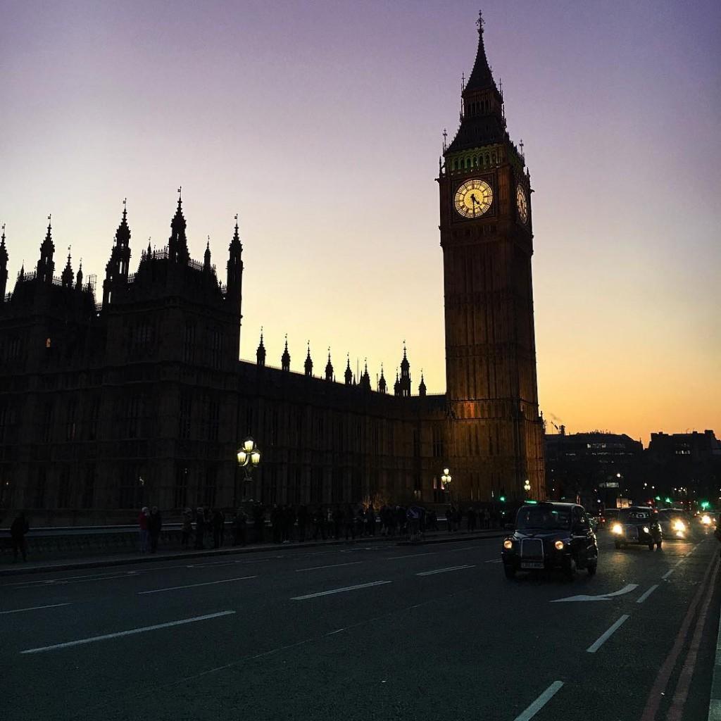 Londra la mia Londra Con la sua magica golden hourhellip