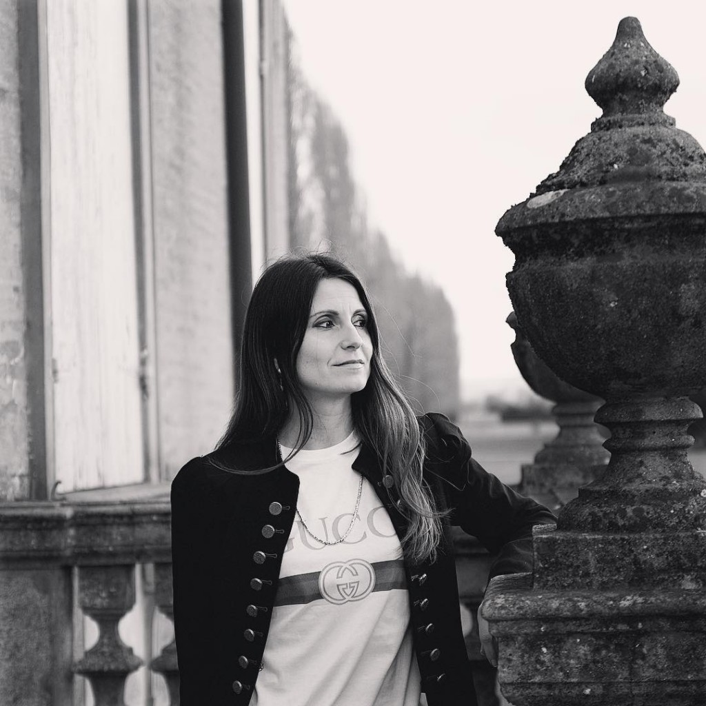 Jeans tshirt e giacchetta beatlesiana Nellinsieme un mood forse unhellip