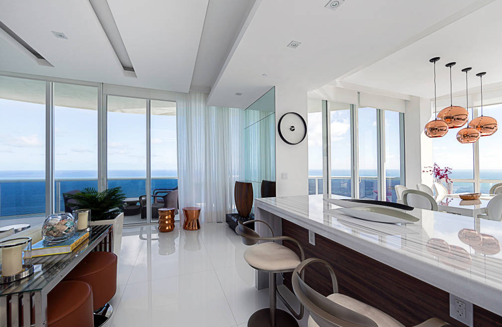 Sunny Isles-Fl-US INFINITY SPACES